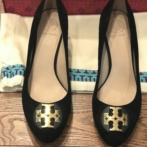 a5c912d7f3e25d Tory Burch Luna Suede 65mm Wedge Pump- NIB